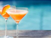 Беллини: алкогольный коктейль с персиком