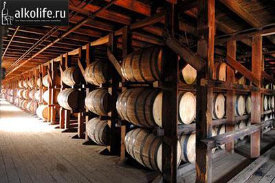 виски в бочках фото