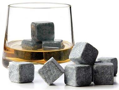 камни для виски в бокале