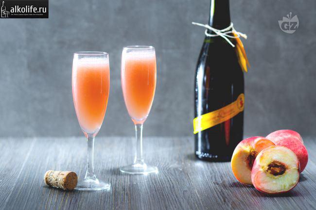 Беллини с персиковым соком