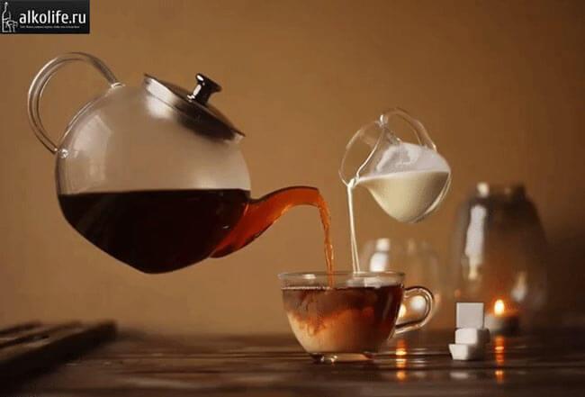 Коньячный чай с молоком