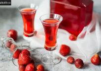 Ликер из клубники — 8 лучших рецептов