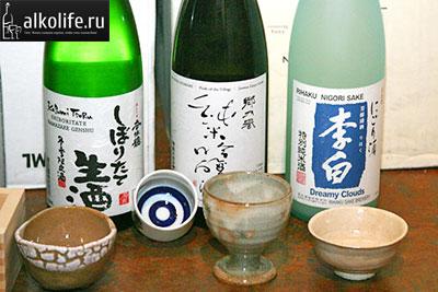 Саке в бутылках фото