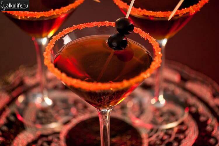 Коктейль черный мартини