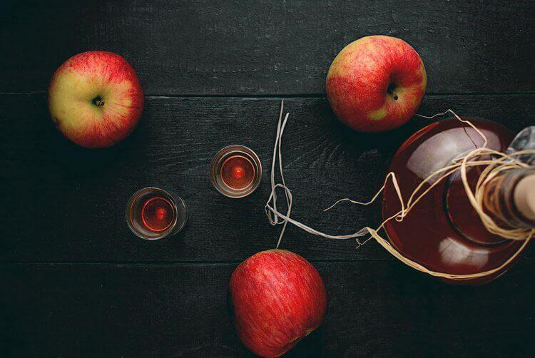 Яблочная наливка с медом