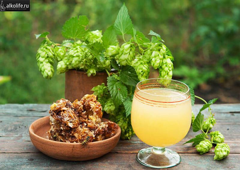 Хмельное вино с медом и лимонным соком